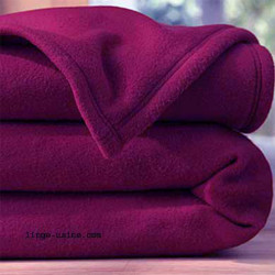 COUVERTURE POLAIRE 180 X 220 AUBERGINE 350 gr norme ISO